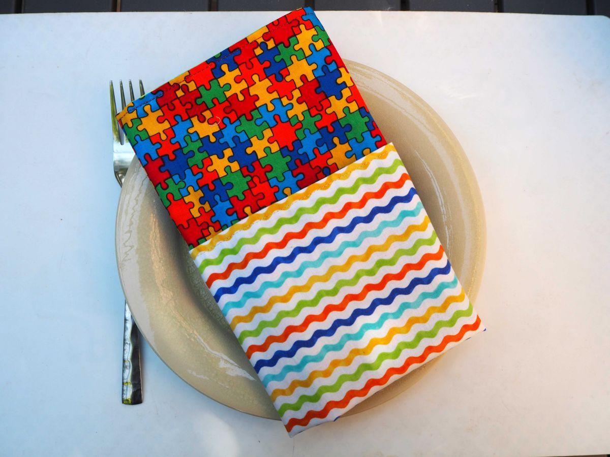 2- Serviette de table 33x33cm, coton puzzle coloré