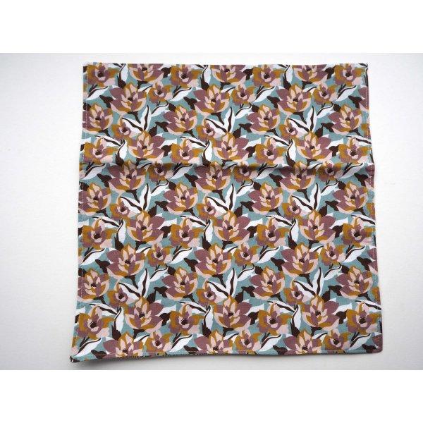 F- Serviette de table 33x33cm, ton beige/marron une face avec zèbres, l'autre avec Fleurs