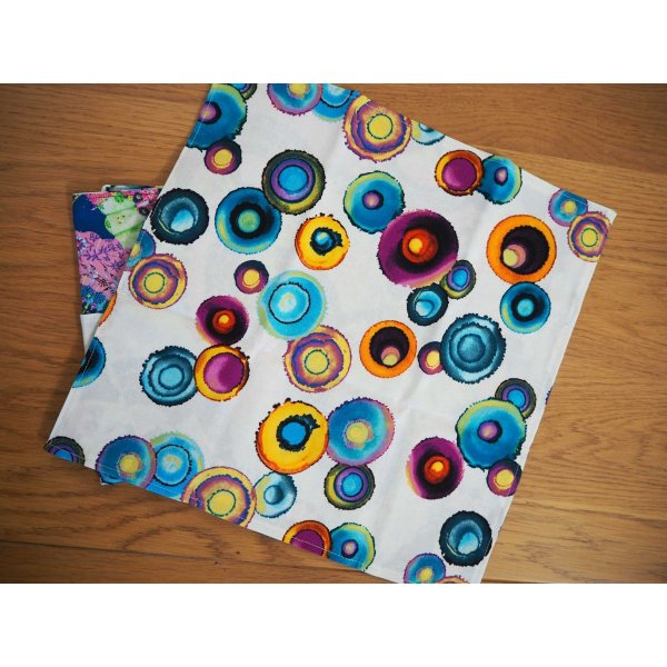 Serviette de table 33x33cm, éventails tons bleus et grosses bulles colorées