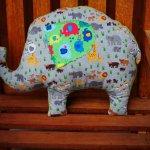 Eléphant, 46x36cm, tout doux, tissu jersey gris avec petits animaux de la savane