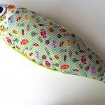 Grand poisson doudou, en coton avec bonbons, dos en polaire