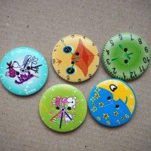 LOT 5 Gros boutons bois avec horloge mais motifs différents, 30mm ton vert/bleu/jaune
