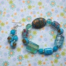 Bracelet+boucles d'oreilles ton bleu turquoise: verre, cristal, résine