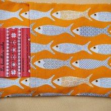 Bouillotte coton déhoussable jaune d'or avec poissons, 21x29cm