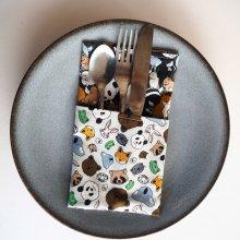 34- Serviette de table 33x33cm, ton marron/animaux sauvages
