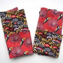 I- Serviette de table 33x33cm, ton rouge/noir une face rouge avec oiseaux, l'autre avec fleurs