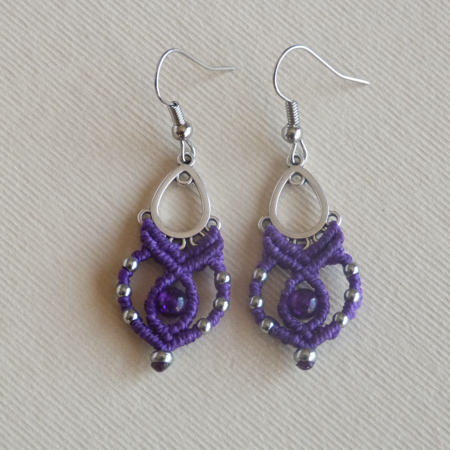 Boucles d'oreilles en micro-macramé violettes