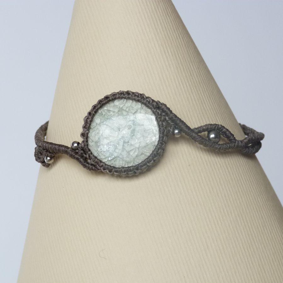Bracelet couleur taupe avec une céramique