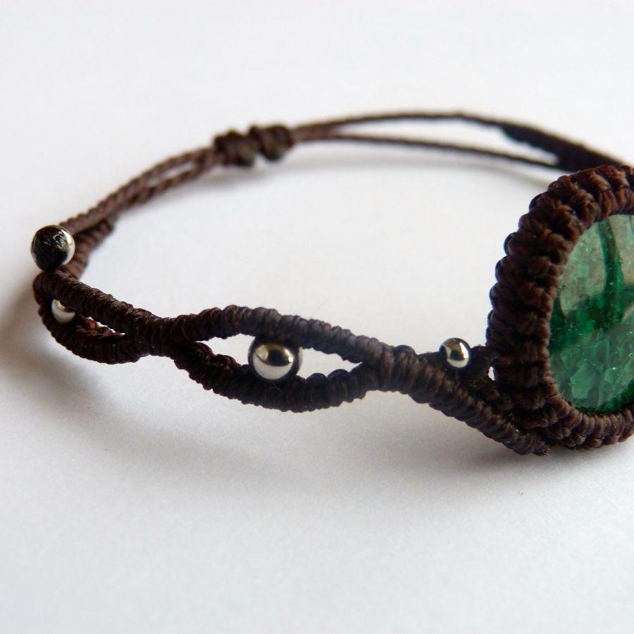 Bracelet  en micro-macramé marron chocolat avec une  céramique