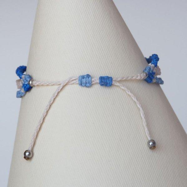Bracelet multi-rangs 3 en 1  en micro-macramé bleu et beige sable