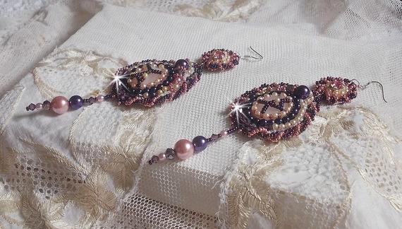 BO Grace brodées avec un Quartz Rose, pierre fine et des perles nacrées