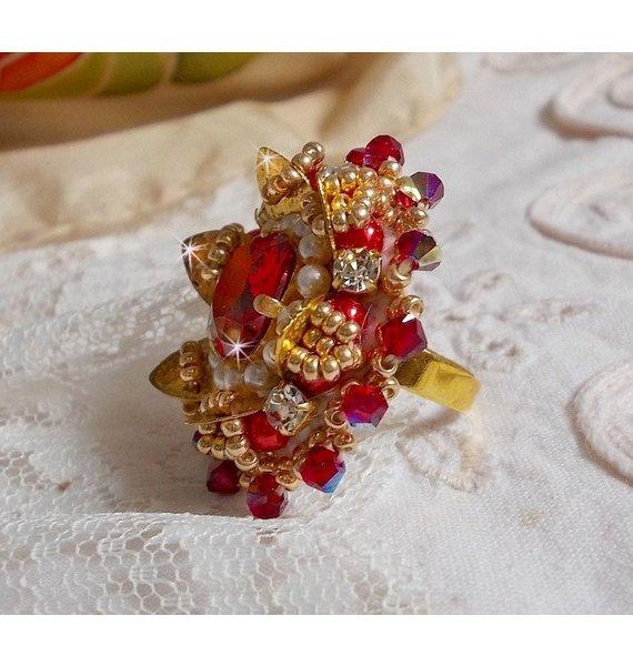Bague L'Oiseau des Iles Rouge Doré, perles, cristal de Swarovski et rocailles