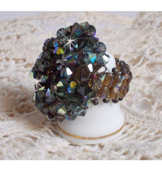Bague avec des cristaux de Swarovski façon Long Brown Picasso