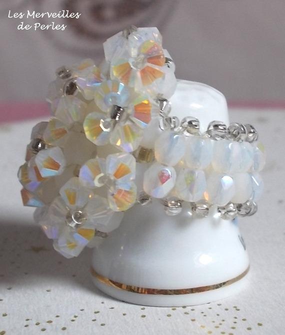 Bague Crystal avec des facettes et des toupies en cristal de Swarovski