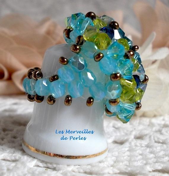 Bague Espérance avec des facettes et des toupies en cristal de Swarovski