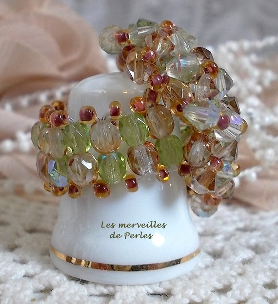 Bague Véronèse avec des facettes, des toupies et une navette en cristal de Swarovski