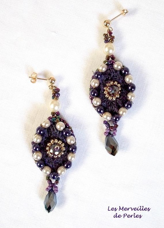 BO Les Merveilles d'Antan brodées avec des Cristaux de Swarovski, des perles rondes nacrées et une dentelle violine très ancienne