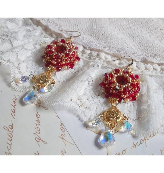 BO Rubis brodées avec des cristaux de Sawarovski et de très belles perles