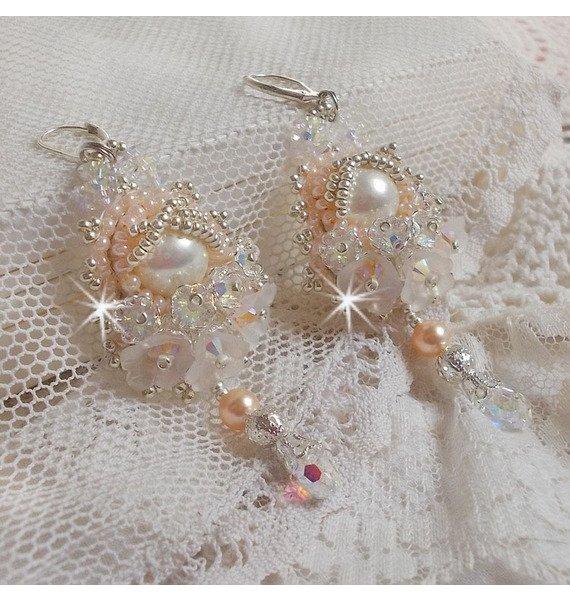 BO Bouquet d'un Jour brodées vec des cristaux de Swarovski et de très belles fleurs frosted