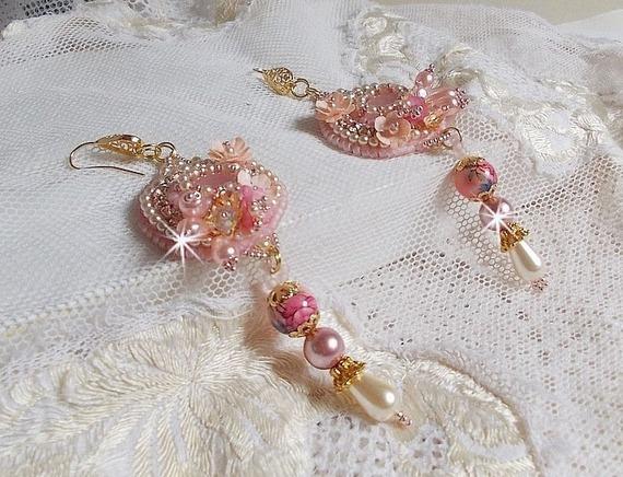 BO Quartzib'Elle brodées avec deux Quartz rose  et de très belles perles