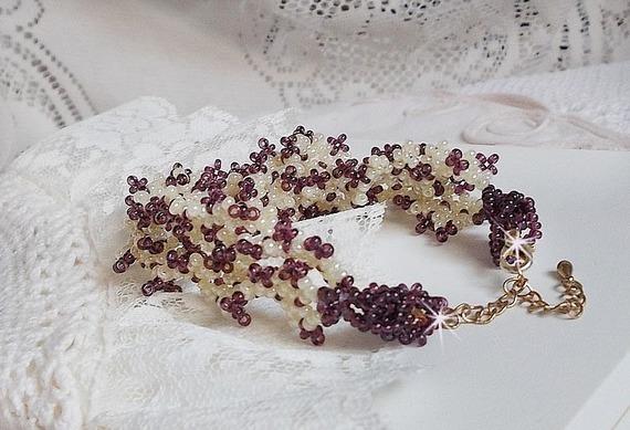 Bracelet Les Floralies monté avec des rocailles Améthyste et Ivoire
