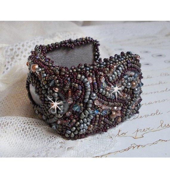 Bracelet Long Brown Picasso brodé avec une pierre de gemme, un Jaspe Picasso