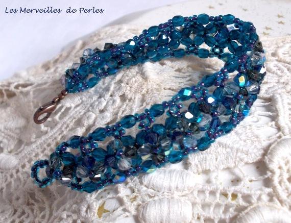 """Bracelet cristal """"Belle de Nuit"""" bleu cristal ces toupies"""