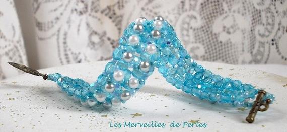 Bracelet en perles Céleste avec des facettes et des perles nacrées en verre
