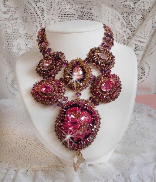 Collier plastron Crystal Majestic Haute-Couture avec des perles en crystal de Swarovski