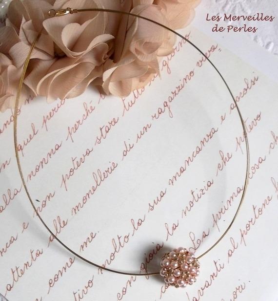 Collier pendentif Boules Nacrées en belles rondes nacrées