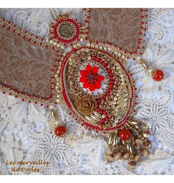 Collier plastron Renaissance brodé de rocailes Or et Rouge