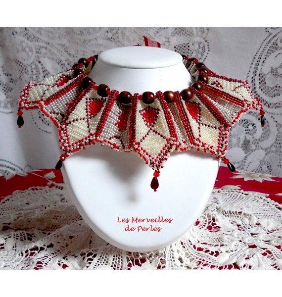Collier plastron Romane, brodé avec des rocailles et perles, que style !