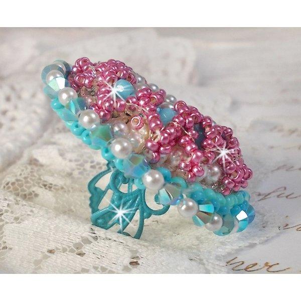 Bague Beauty Alicia Blue brodée avec des cristaux de Swarovski