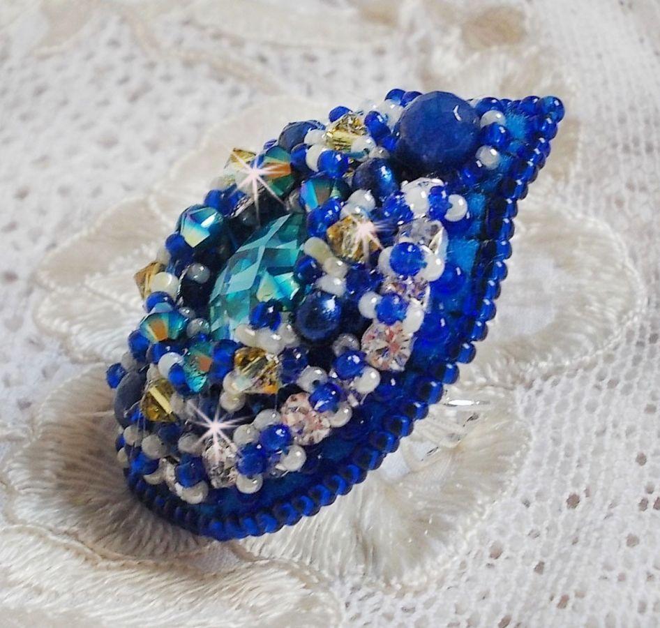 Bague Blue Palace, un design authentique aux perles de rocailles bleu et cristaux de Swarovski