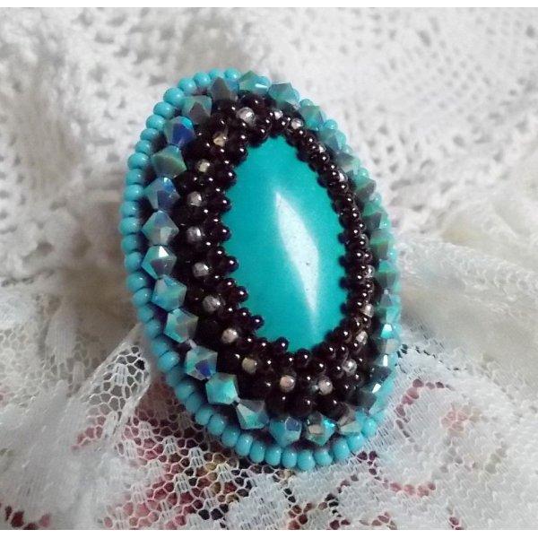 Bague Turquoise  brodée avec des cristaux de Swarovski