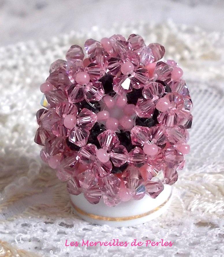 Bague Anémone avec des facettes et des tupies en cristal de Swarovski