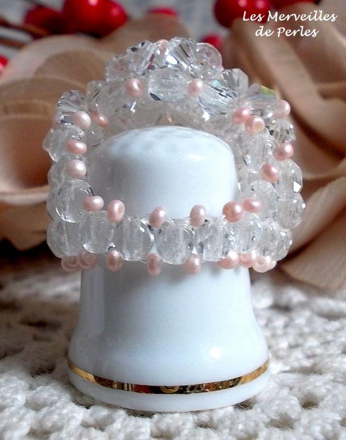 Bague Eclat avec des facettes et des toupies en cristal de Swarovski