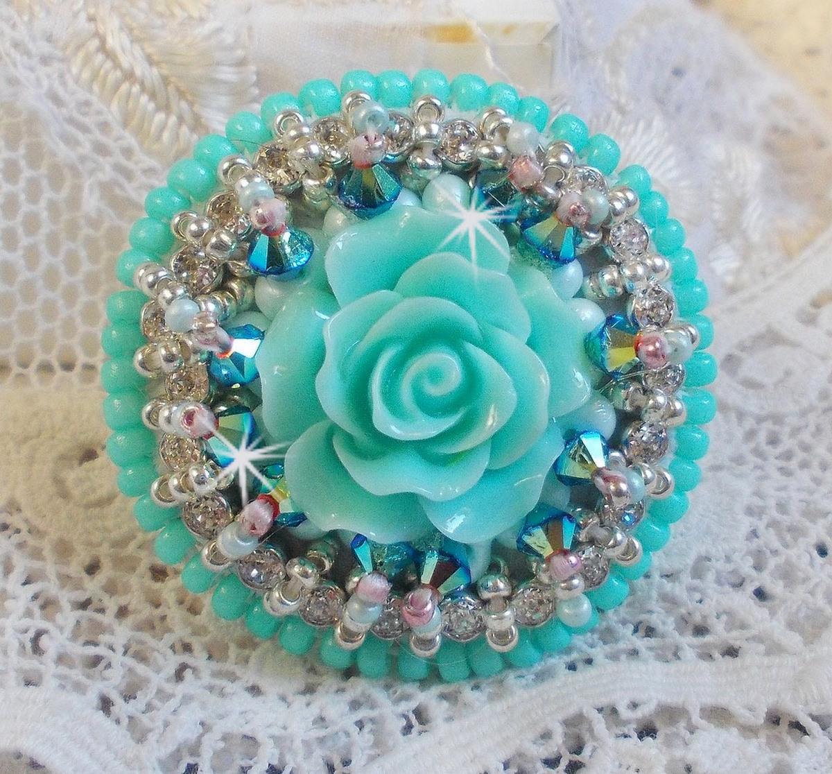 Bague Haute-Couture Blue Flowers avec ces belles perles