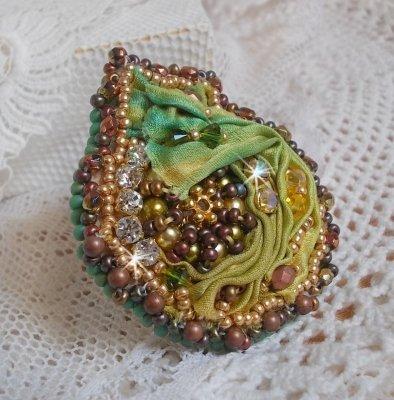 Bague Lune Vénitienne avec ce beau Shibori de soie couleur caméléon