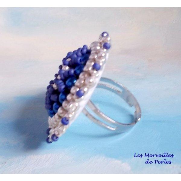 Bague Marine Blue généreuse en couleurs de l'océan.