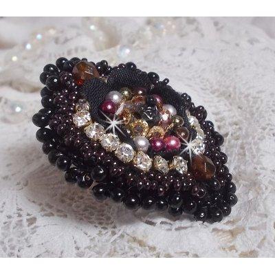Bague Midnight Daisy toujours à la recherche d'un beau design avec ces perles nacrées.