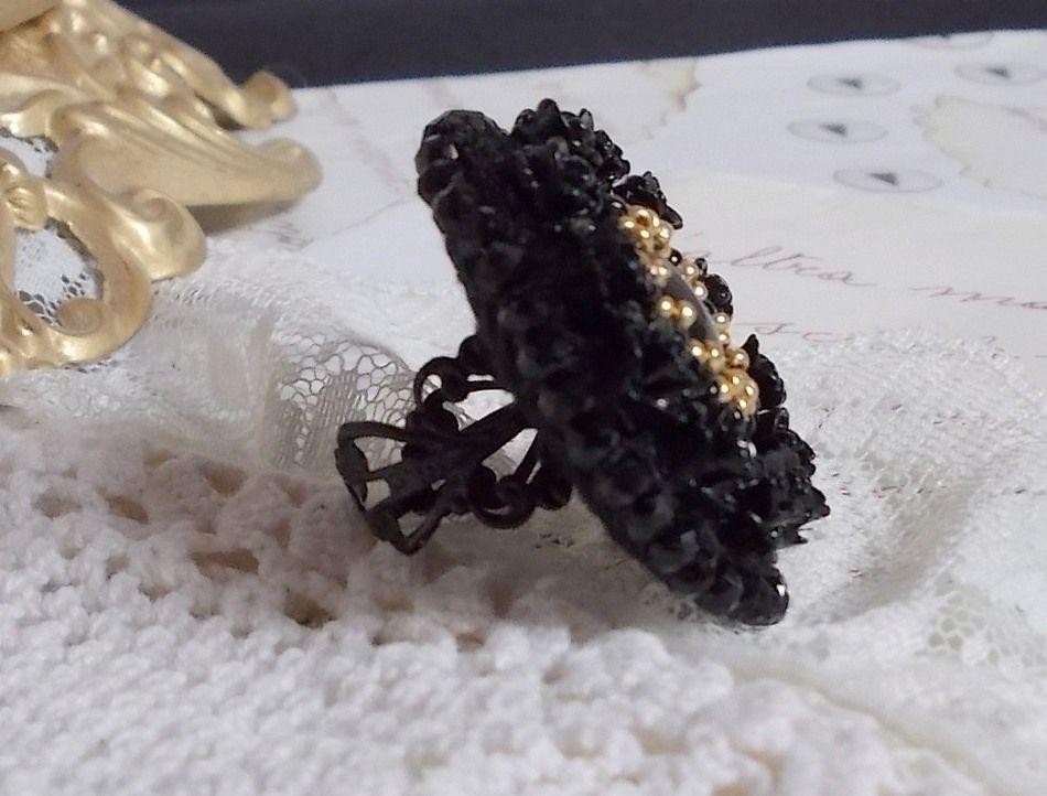 Bague Cléopâtra brodée avec un onyx noir