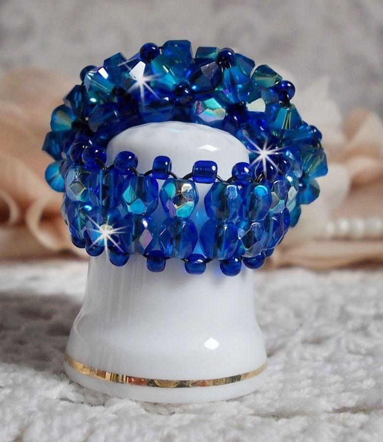 Bague Saphir avec des Cristaux de Swarovski et des perles de bohême