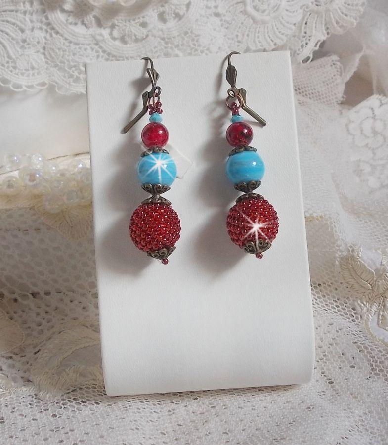 BO Bel'Art avec des perles en verre et rocailles brodées sur les perles en bois