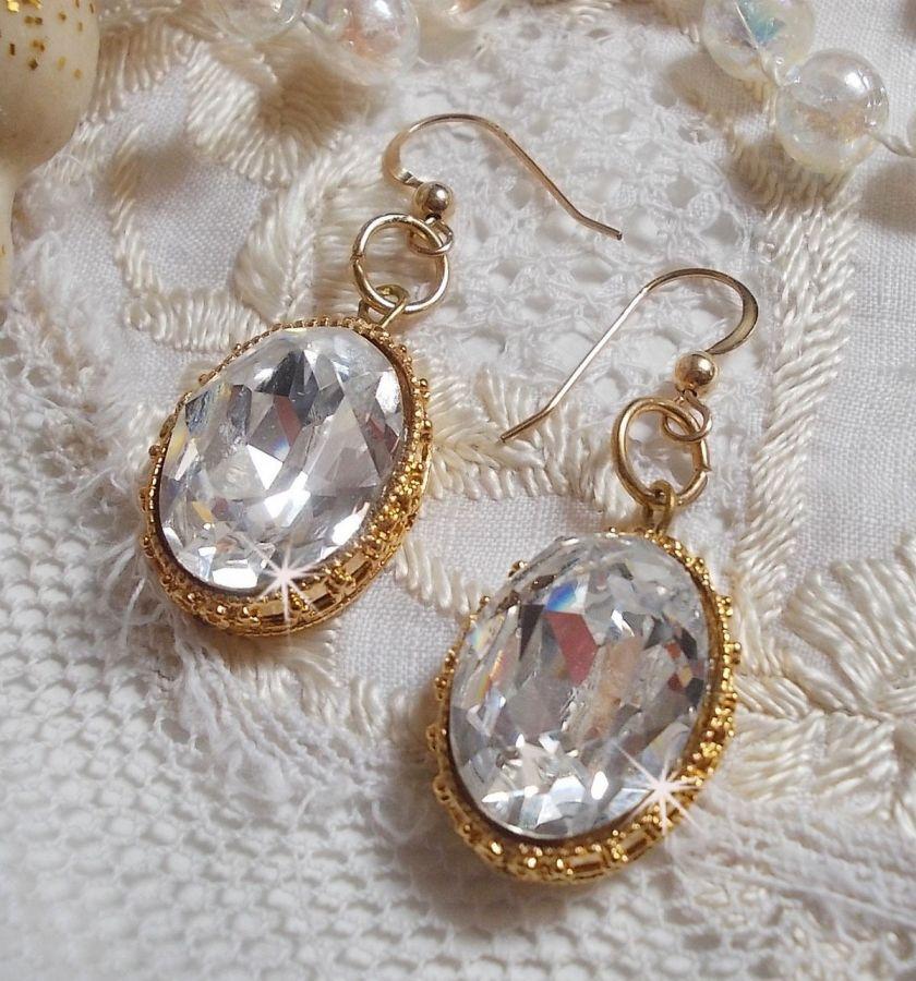 BO Boucles D'or avec des cristaux de Swarovski sertis de cabochons dorés avec des crochets d'oreille en Gold Filled 14 carats