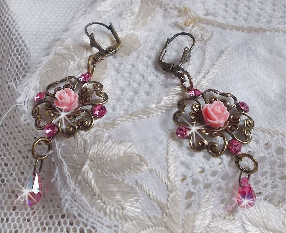 BO Collection Irrésistible Eden avec ces cristaux de Swarovski montés sur des chandeliers de couleur Bronze