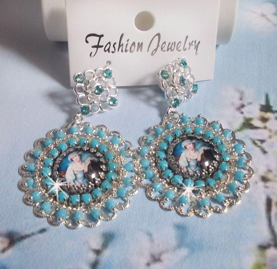 BO Moment de Détente crées avec des cabochons loupes Vintage Dames, des cristaux de Swarovski, des estampes et des perles en verre