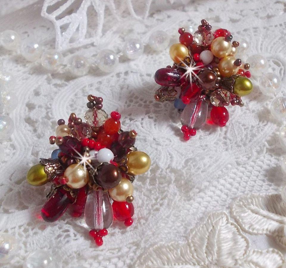 BO Printemps Coloré brodées avec des Cristaux de Swarovski, des perles en verre, des gouttes, des calottes et des rocailles.