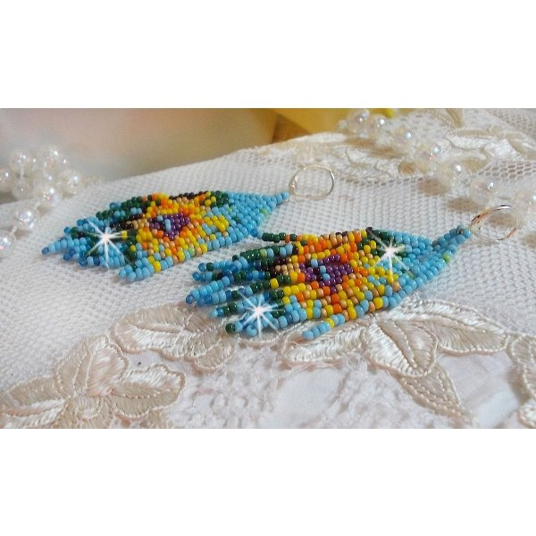 BO Tournesol crées avec des rocailles aux couleurs printanières et des dormeuses en argent 925/1000