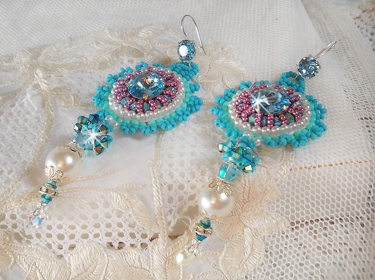 BO Beauty Alicia Blue avec des cristaux de Swarovski, rocailles Miyuki ....